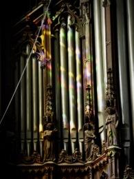 buntes Farbenspiel an der Orgel