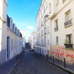 Montmartre_streetcanyon