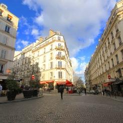 Montmartre_streetcanyon2
